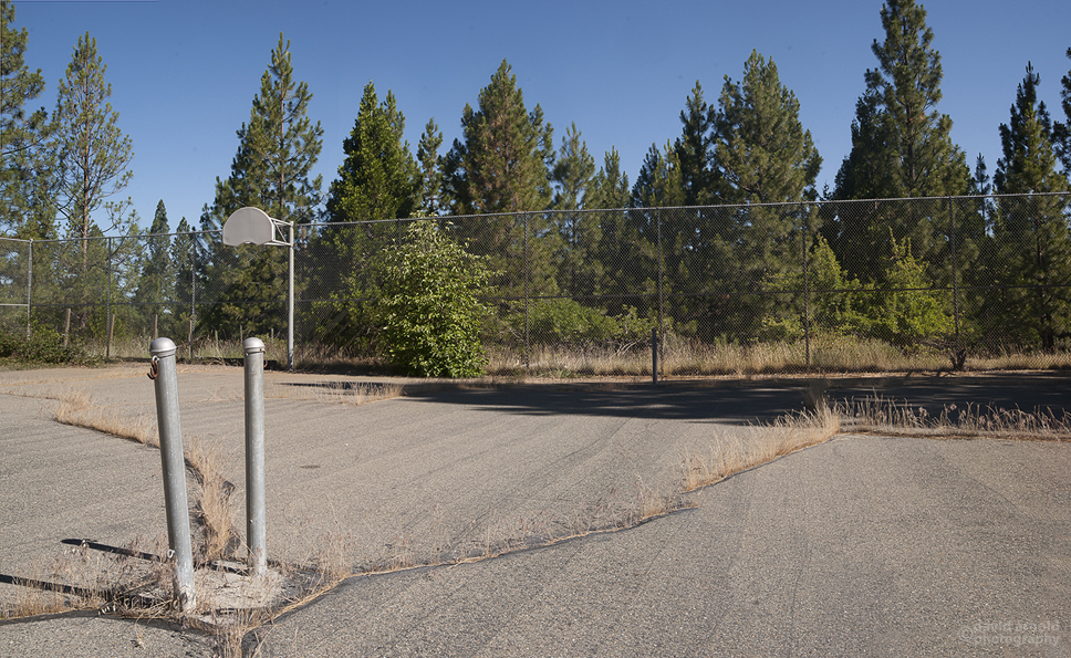 Basketball and Tennis Court, Plioscene Ridge School, Pike, California